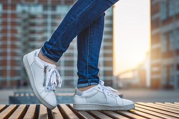 6 Most Comfortable Tennis Shoes for Walking & Play
